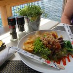 Tuna appetizer with plantane chips