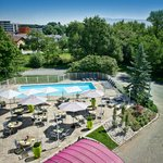 Espace terrasse et piscine