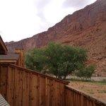 Vista do chalé para os Red Cliffs e o Colorado River