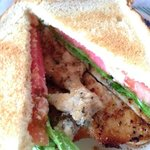 sandwich de pollo (chicken sandwich)