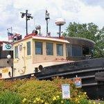 Wonderful Maritime Museum near the bridge