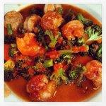shrimp and broccoli with marinara sauce