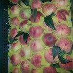 超大顆的水蜜桃