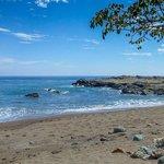 am herrlichen Strand von Montezuma