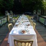 Diner op de brug