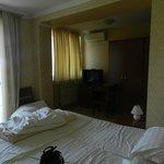 quarto muito espaçoso e confortavel