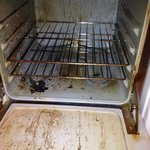 Filthy oven in Lodge Suite #5
