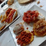 degustación de tortos asturianos en casa Esther
