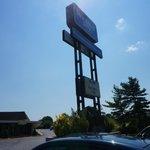 rodeway inn sign