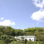 A charming B&B and holiday cottage set in its own valley just a stone's throw from Dartmoor and