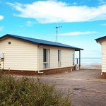 Discovery Holiday Parks - Whyalla: Beachside cabins