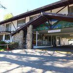 Entrance of Tahoe Inn
