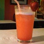 Super-yummy sparkling strawberry-ginger lemonade