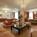 The Royal Suite 532 534