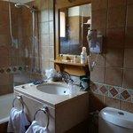 déco ancienne, produits bain basse qualité