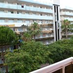 FACHADA HOTEL enfrente Aparthotel