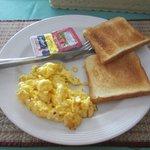 100 Baht breakfast...
