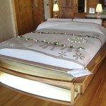 素敵な落ち着いた雰囲気のベッド