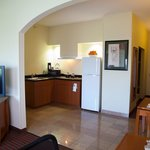 Kitchen Executive King Whirlpool Suite