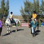 Ainhoa and Paul, riding lesson 6