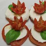 unique plating for Caprese salad (tomato and mozzarella cheese)