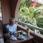 petit déjeuner sur terrasse