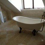 Check out the bath tub!