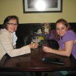 Mamiss e eu, brindando a felicidade.... em NYC!!