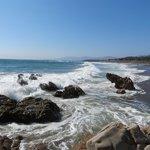 Moonstone Beach (1 mile south)