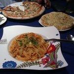 chicken pasta and mushroom pizza