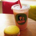 Smoothie & macaron