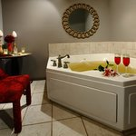San Souci Whirlpool Mineral Bath for Two