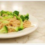 Whole Wheat Spaghetti & Broccoli