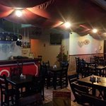 un ambiente muy agradable, para acompañarlo de un rico plato español y una melodía flamenca