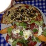 Formule demi-pizza salade !