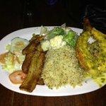 Lobester tail, veggie rice & plantains