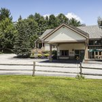 BEST WESTERN Inn & Suites Rutland - Killington