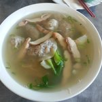 Wonton noodle soup with chicken