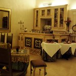 Hotel Veneto dining area