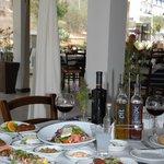 Photo de Mezepolis Kebab & Tavern