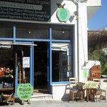 Foto van Anna's Organic Shop and Gardencafé