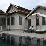 Khan Pool Suite