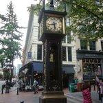 Il vecchio orologio a carbone del centro storico