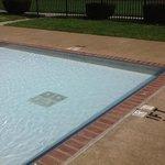 kiddie shallow pool
