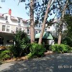 The Pine Crest Inn