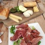 3 Cheeses, Basil Pesto, Apple Slices, Fresh Bread,Prosciutto