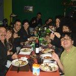 Cena organizada con todos los chicos del hostel, Cesar y Silvia (los dueños) y Juan (incondicion