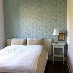 lyst og dejligt værelse