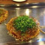 麺はソバでは無くうどんにしました。