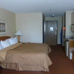 Room 220 - King Bed
